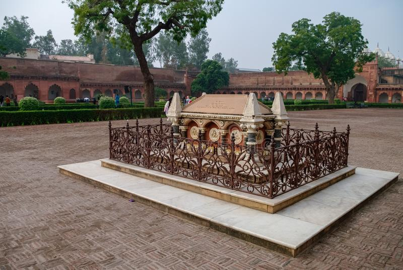 Tombe de John Russell Colvin à l'intérieur de fort rouge d'Âgrâ Âgrâ, RP d'Uttar photos stock