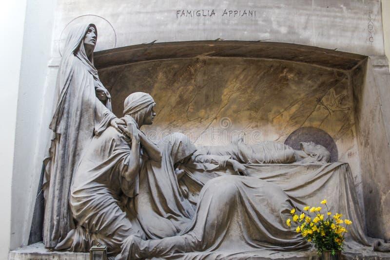 Tombe de la famille d'Appiani, cimetière monumental de Gênes, Italie photographie stock libre de droits