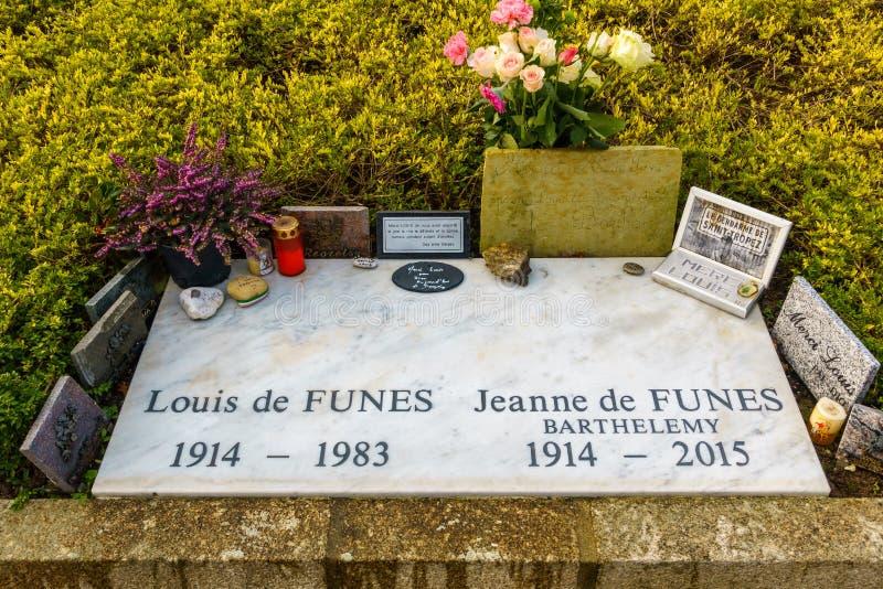 Tombe de Louis de Funès en Le Cellier, France photographie stock