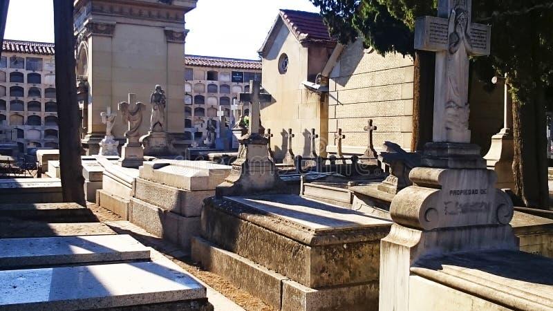 Tombe del cimitero, di Madrid del ` s di Carabanchel e pietre tombali immagine stock libera da diritti