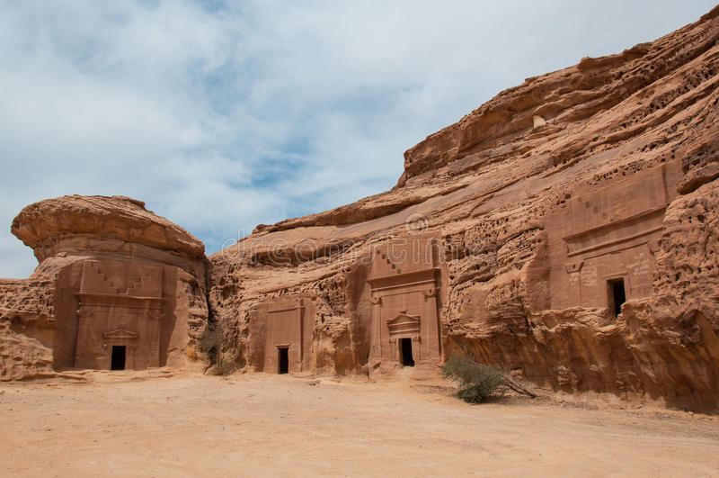 Tombe di Nabatean nel sito archeologico di Madaîn Saleh, Arabia Saudita immagini stock