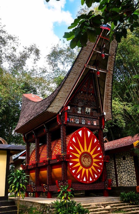 Tombe di Torajan in Sulawesi, Indonesia immagine stock libera da diritti