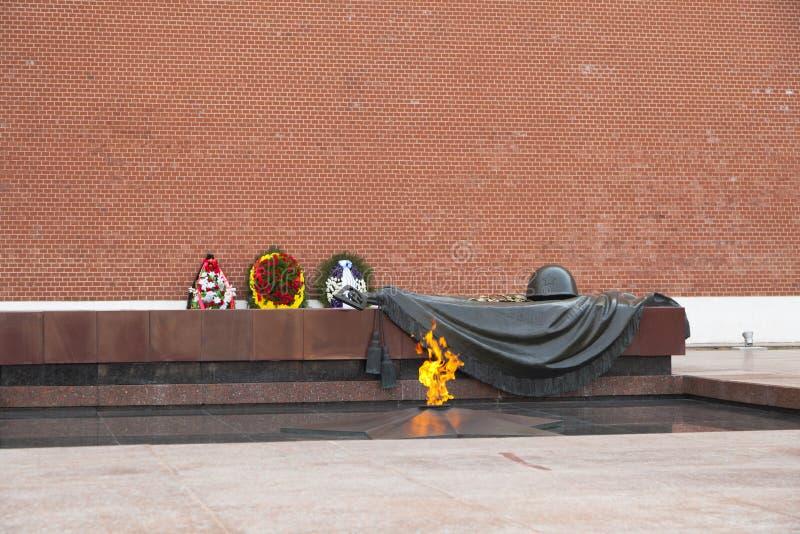 Tombe du soldat inconnu au mur de Kremlin à Moscou, Russie photos libres de droits