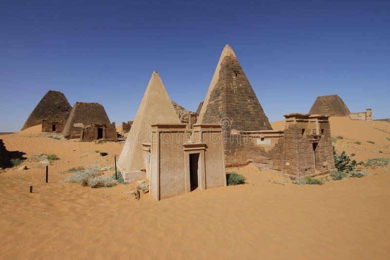 Tombe piramidali di Meroe, Sudan immagine stock libera da diritti