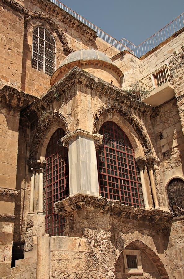 Download Tombe sainte d'église image stock. Image du extérieur - 8660331