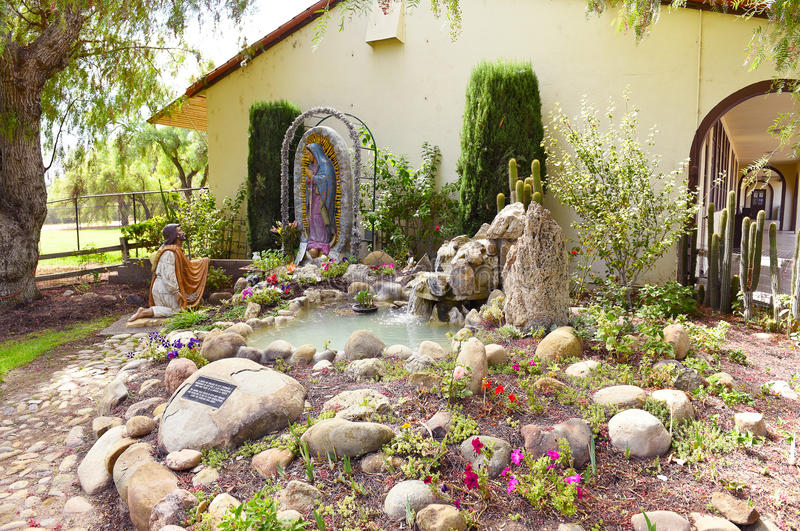 Tombeau chez Santa Ines Mission photographie stock libre de droits