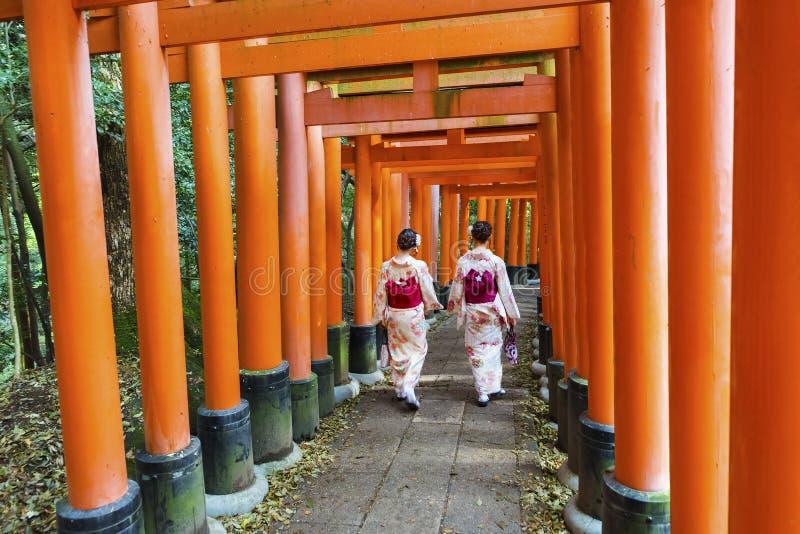 Tombeau de Fushimi Inari Taisha à Kyoto, Japon photos libres de droits