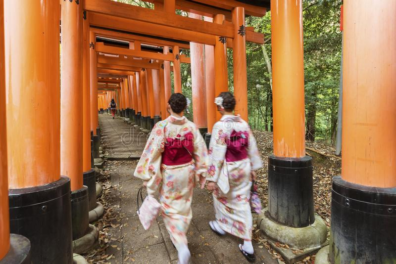 Tombeau de Fushimi Inari Taisha à Kyoto, Japon photo libre de droits