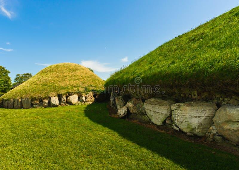 Tombeau mégalithique de canalisation, Knowth, Irlande photos libres de droits