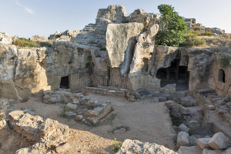 Download Tombes Des Rois Dans Paphos Sur La Chypre Image stock - Image du ville, civilisation: 76088749
