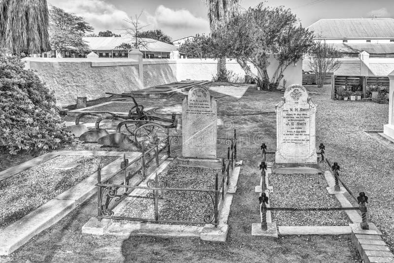 Tombes historiques à la première église reformée néerlandaise dans Clanwilliam monochrome image libre de droits