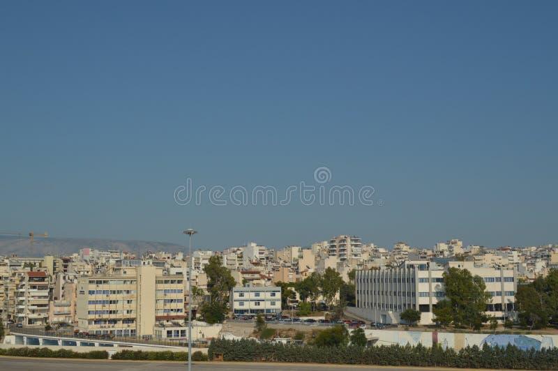 Tome la ciudad de Pireo de una travesía Travesías del viaje de los paisajes de la arquitectura imagenes de archivo
