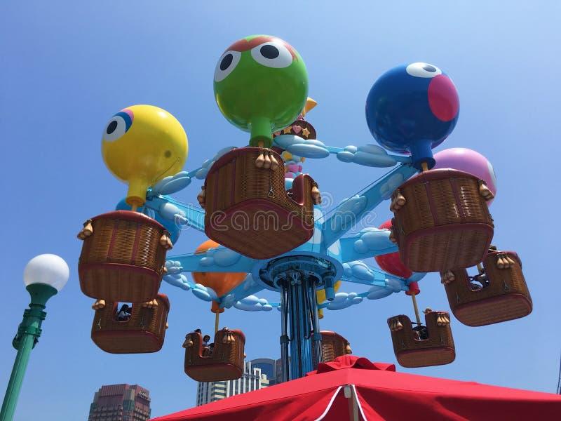Tome la foto en Osaka USJ de la tierra del niño imagenes de archivo