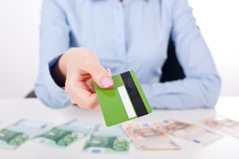 Tome um cartão de crédito, conceito imagem de stock royalty free