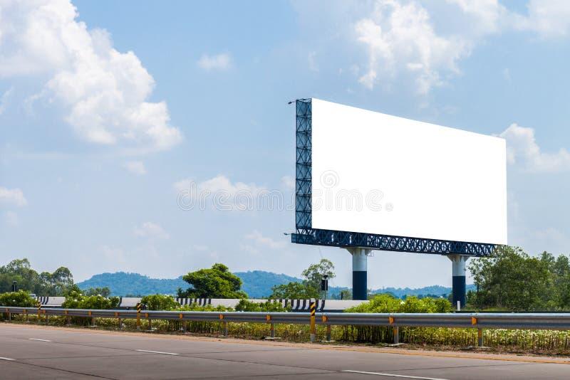 Tomma affischtavlor för annonsering på huvudvägen arkivbild
