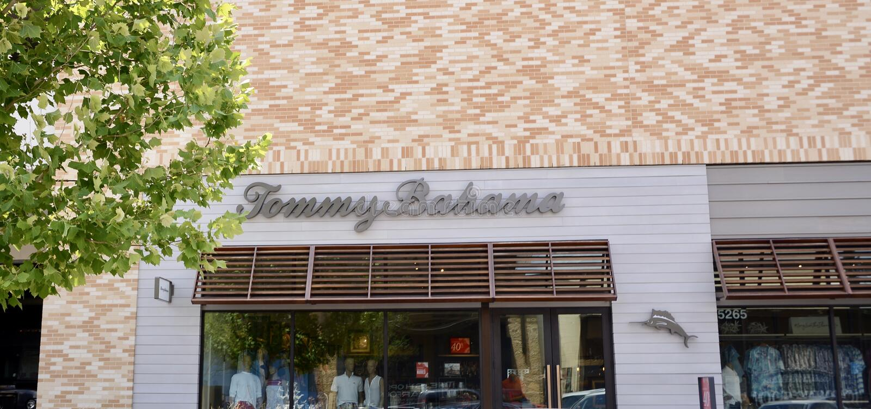 Tommy Bahama Clothing foto de archivo libre de regalías