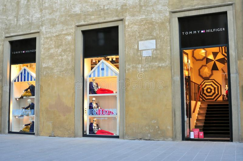 Tommy hilfiger clothing store in florence italy editorial for Dream store firenze