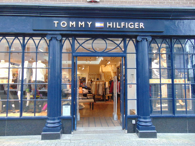 Tommy Hilfiger Shop Front en Waterford foto de archivo