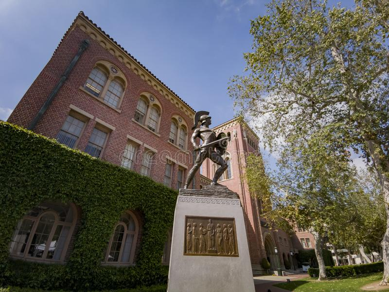 Tommy Trojan, auditorio de Bovard de USC imagenes de archivo