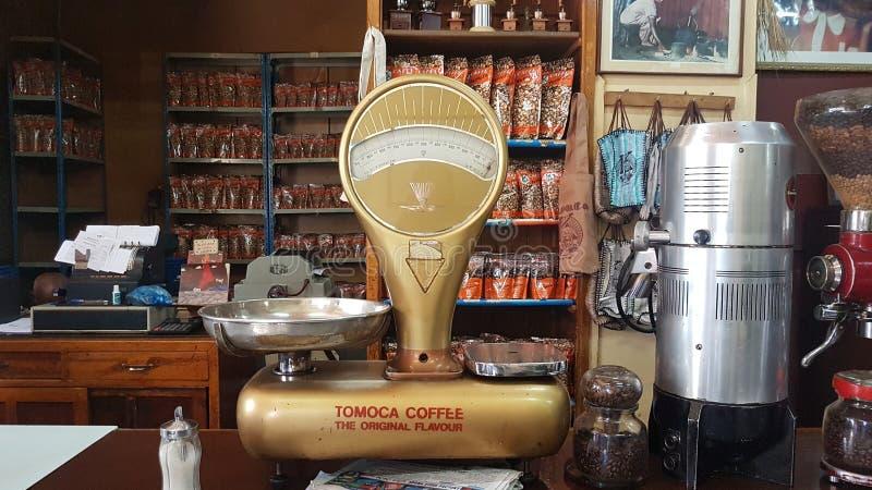 Tomoca sklep z kawą w śródmieście terenie obraz royalty free