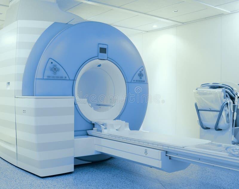 Tomografiescanner in het ziekenhuis stock fotografie