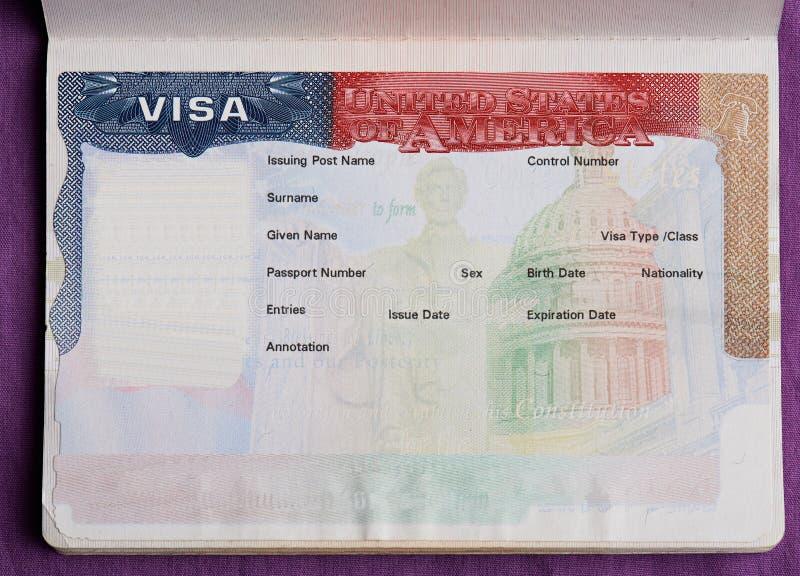 Tomt amerikanskt visum i pass arkivbild