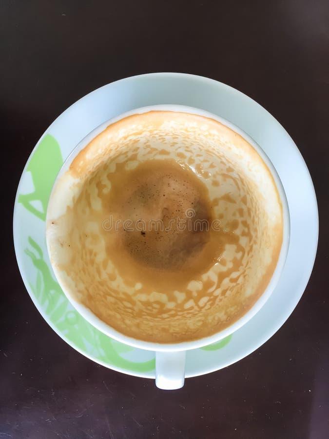 tomt kaffe i en kopp arkivbild