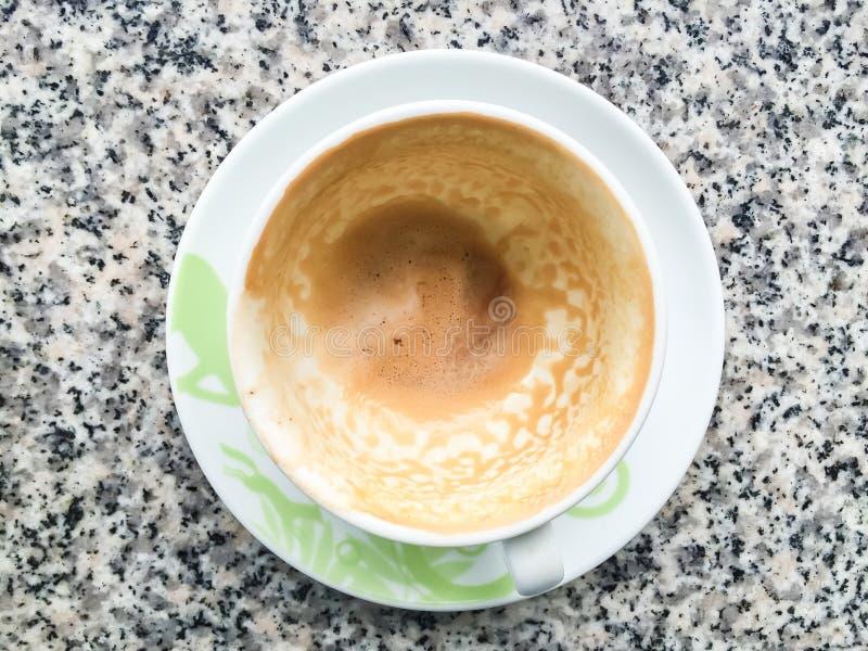 tomt kaffe i en kopp royaltyfri bild