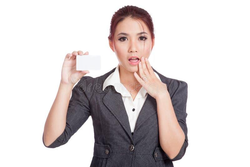 Tomt kort för asiatisk affärskvinnaöverraskningshow royaltyfri foto