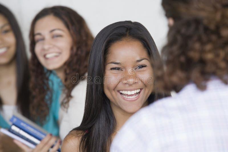 tonårs- övre för täta flickor royaltyfri foto
