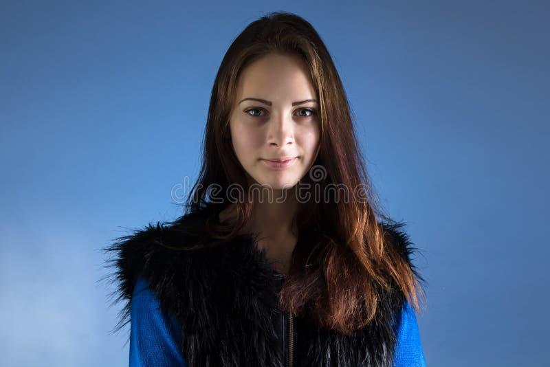 tonårs- flickastående royaltyfria bilder