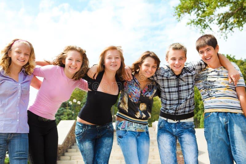 tonårs- grupp royaltyfri fotografi