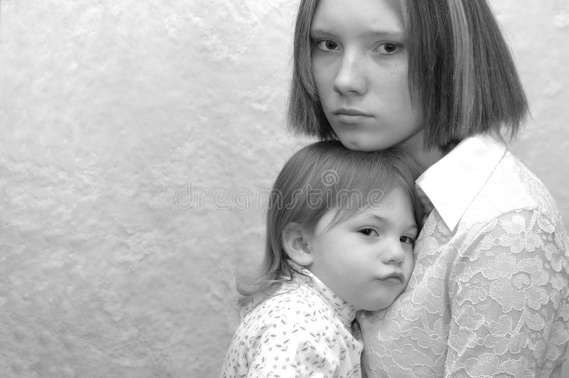 tonårs- modersystrar arkivbild