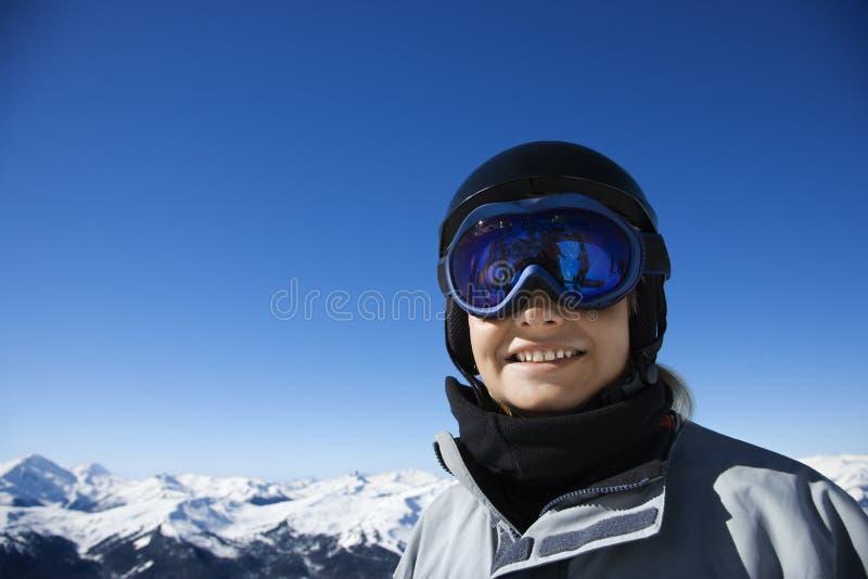 tonårs- pojkesnowboarder arkivfoto