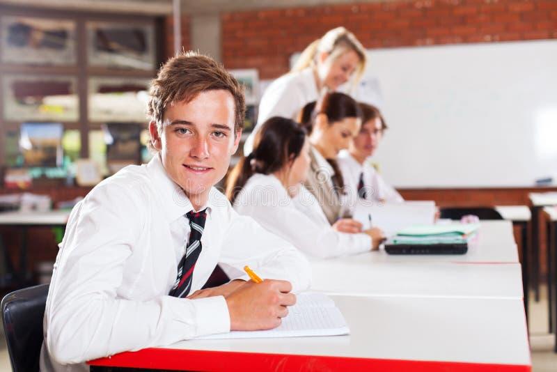 Tonårs- skoladeltagare arkivfoto