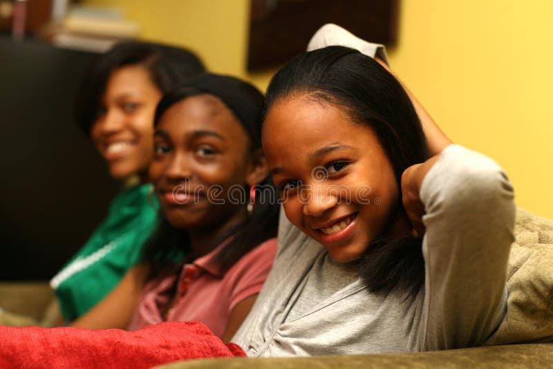 tonårs- systrar royaltyfria foton