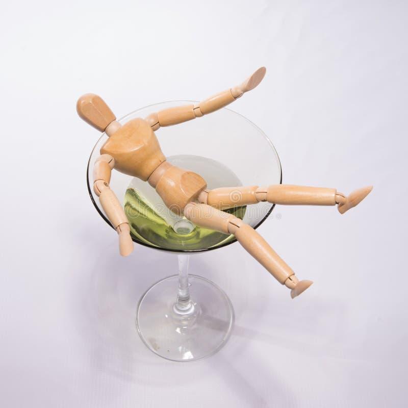 Tonąć w alkoholu zdjęcie royalty free