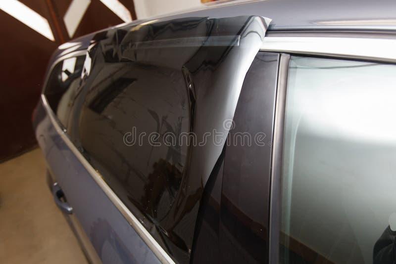 Tona av exponeringsglas i bil royaltyfria bilder