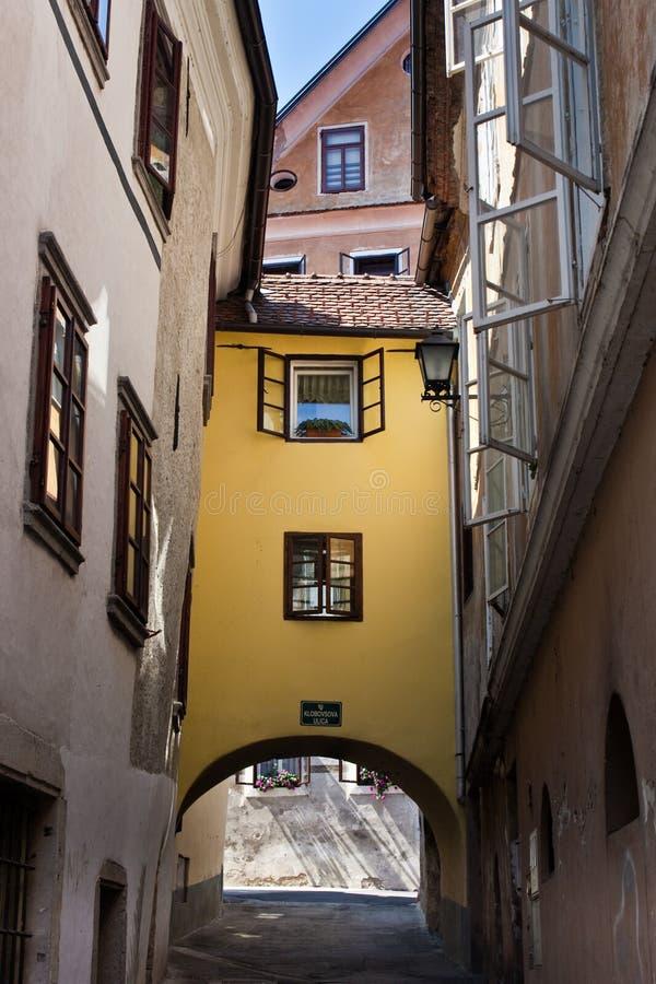 Tonalità di finestra della Slovenia di loka di Skofja immagini stock libere da diritti