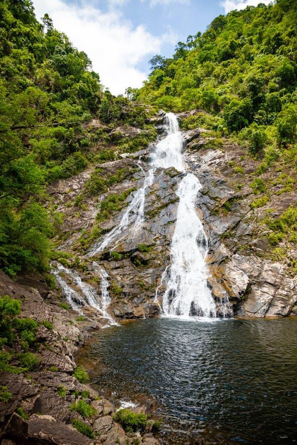 Tonanri瀑布风景,南部海南省,中国的本质 免版税库存图片