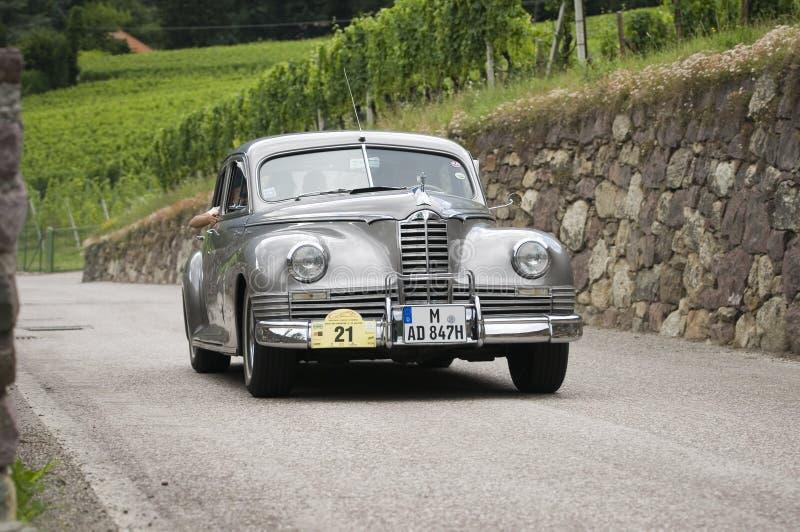 Tondeuse superbe de cars_Packard classique du sud du Tyrol photographie stock