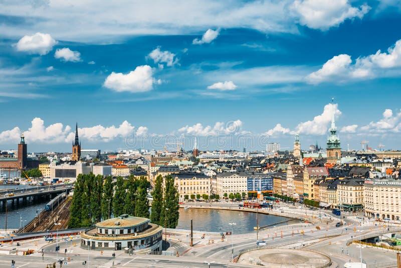 Toneel de zomerlandschap van de Oude Stad in Stockholm royalty-vrije stock foto