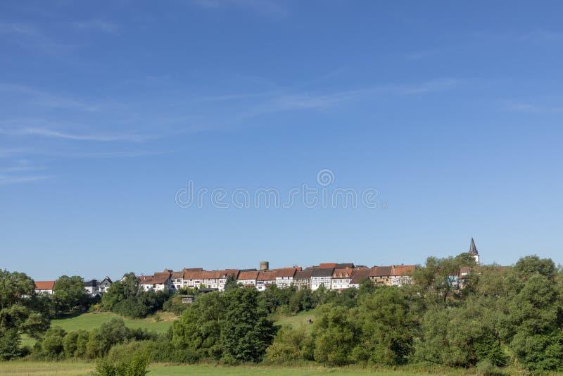 Toneel half betimmerde huisvoorgevel in Walsdorf, Idstein, Duitsland stock foto's