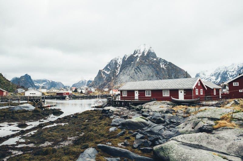 Toneel luchtmening van de visserij van stad Reine op Lofoten-eilanden, noch royalty-vrije stock foto's