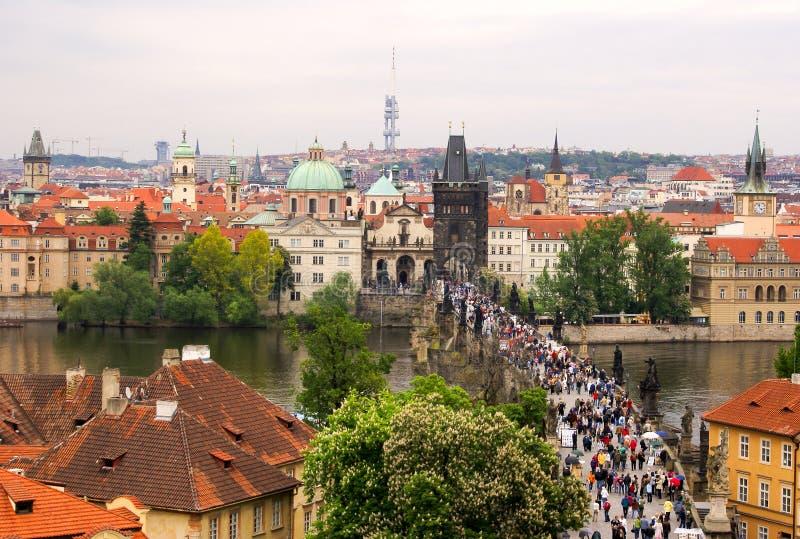 Toneel Mening van de beroemde bruggen van Praag stock fotografie