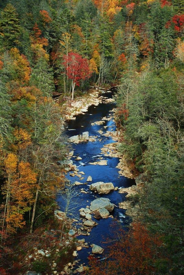 Toneel rivier in de herfst royalty-vrije stock afbeelding
