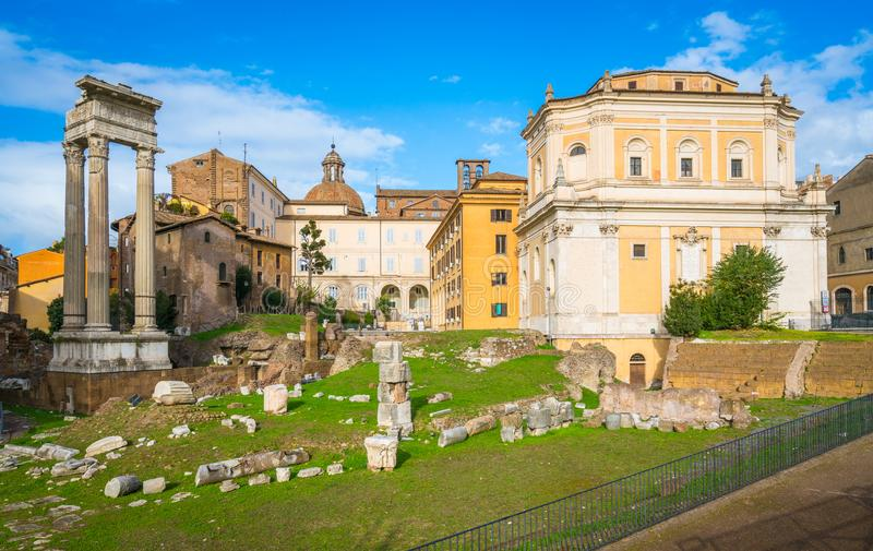 Toneelgezicht in Rome dichtbij het Theater van Marcellus, Italië royalty-vrije stock afbeelding