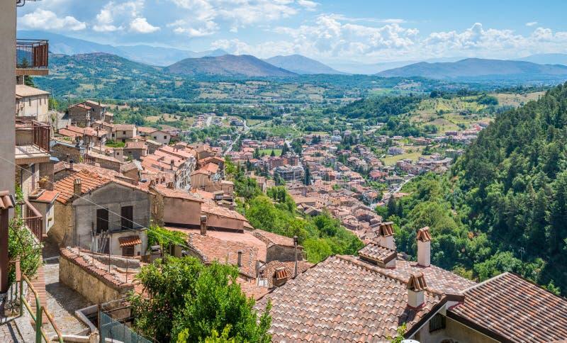 Toneelgezicht in Tagliacozzo, provincie van L ` Aquila, Abruzzo, Italië stock fotografie