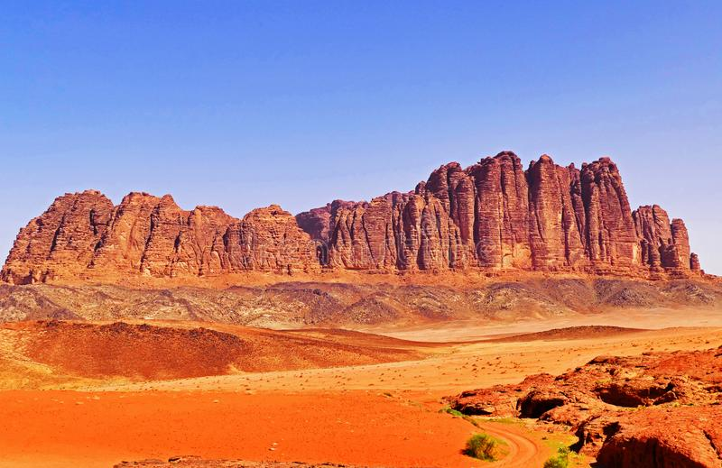 Toneellandschap Rocky Mountain in Wadi Rum Desert, Jordanië stock foto's