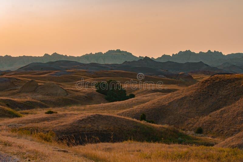 Toneelmening bij zonsondergang in het Nationale Park van Badlands royalty-vrije stock fotografie